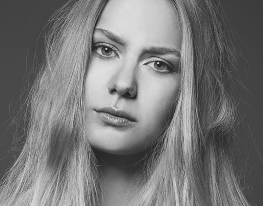 Lensofbeauty - maria brussig - fotografin - model - setcard - marusja - online - ausschnitt