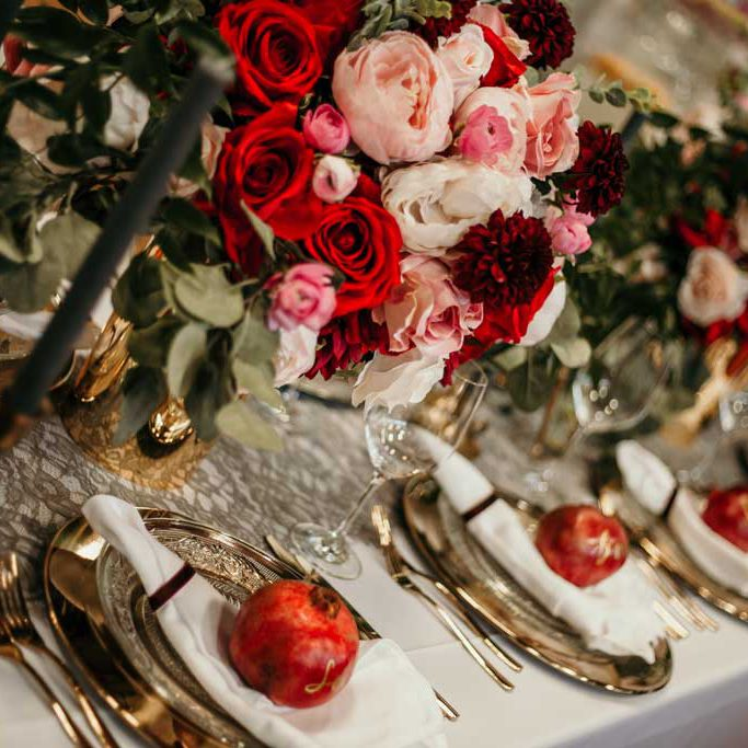 Tablesetting Lorenz Weddings – Gold küsst Rot