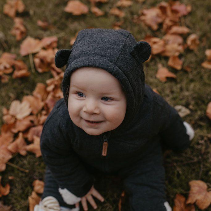 Familienfotos im Herbstlaub